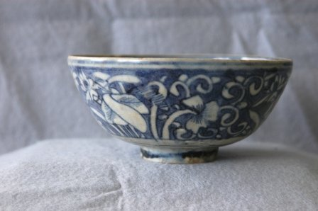 1011: Chinese Ming Bowl. Blue and white dec. c. 16th C.
