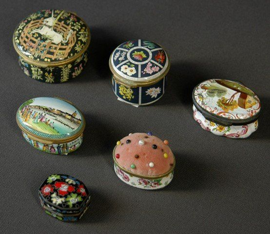 6 Small Enamelled Items. Including 4 Halcyon Days