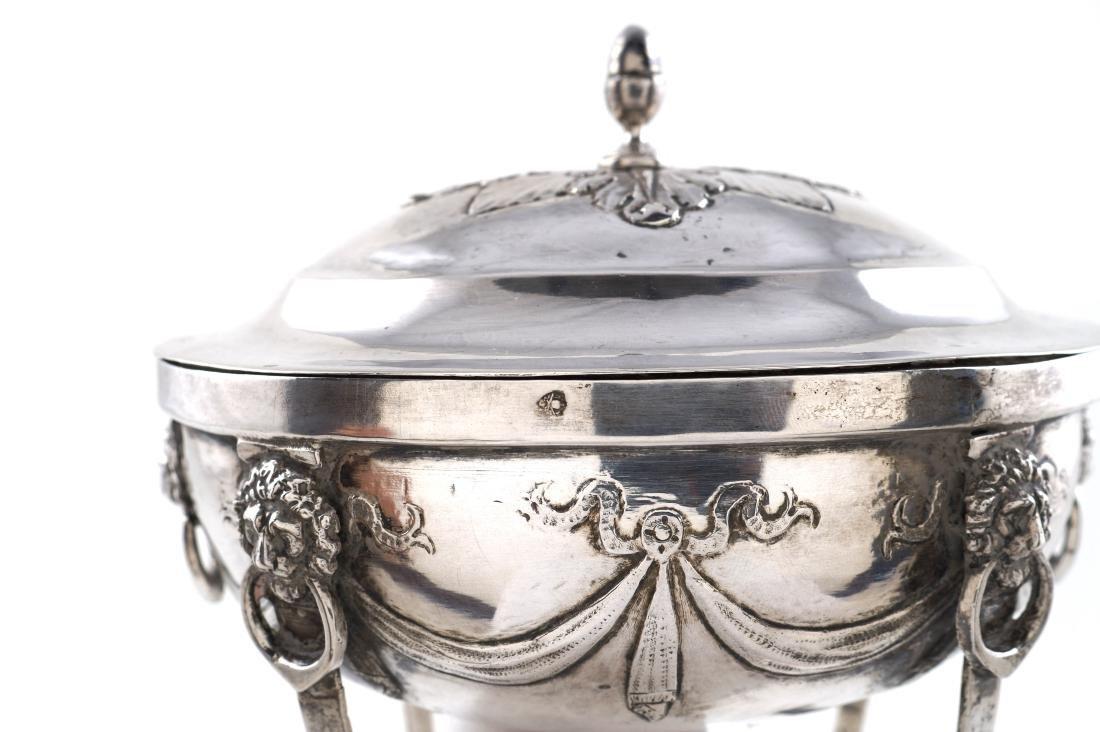 Silver Sugar bowl Rome, early 19th century peso 335 gr.