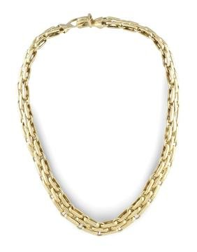 An 18kt gold necklace  peso 47,8 gr.
