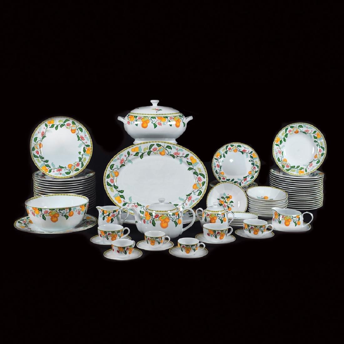 A Vista Alegre porcelain plate service (145) Portugal