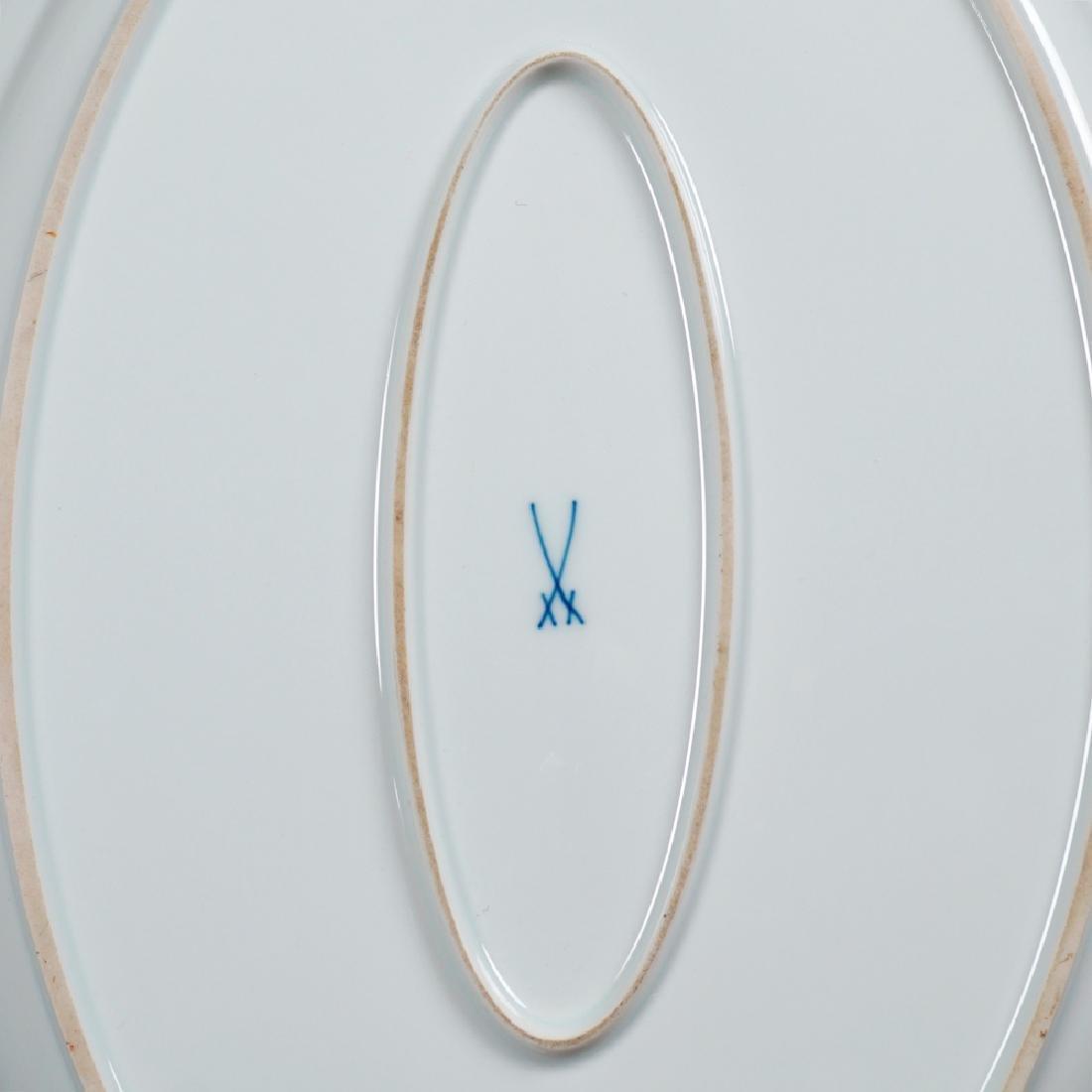 A Meissen porcelain service (68) 1924 - 1934 - 3
