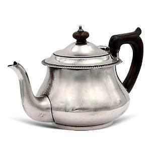 Silver teapot London 1928 weight 431 gr