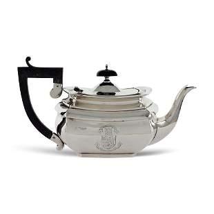Silver teapot London 1929 weight 442 gr