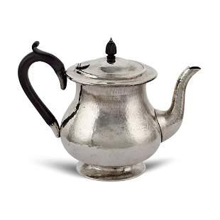 Silver teapot London 1930 weight 468 gr