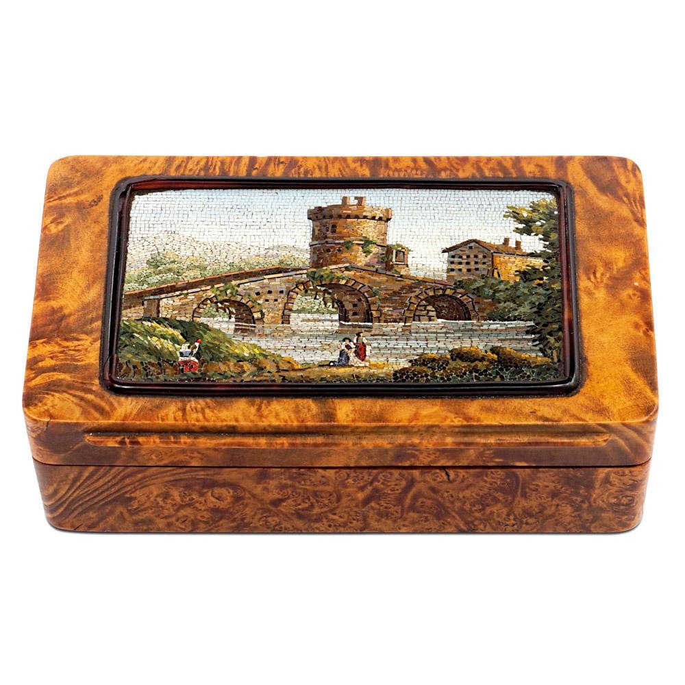Briar root and micromosaic snuff box Rome, 19th century