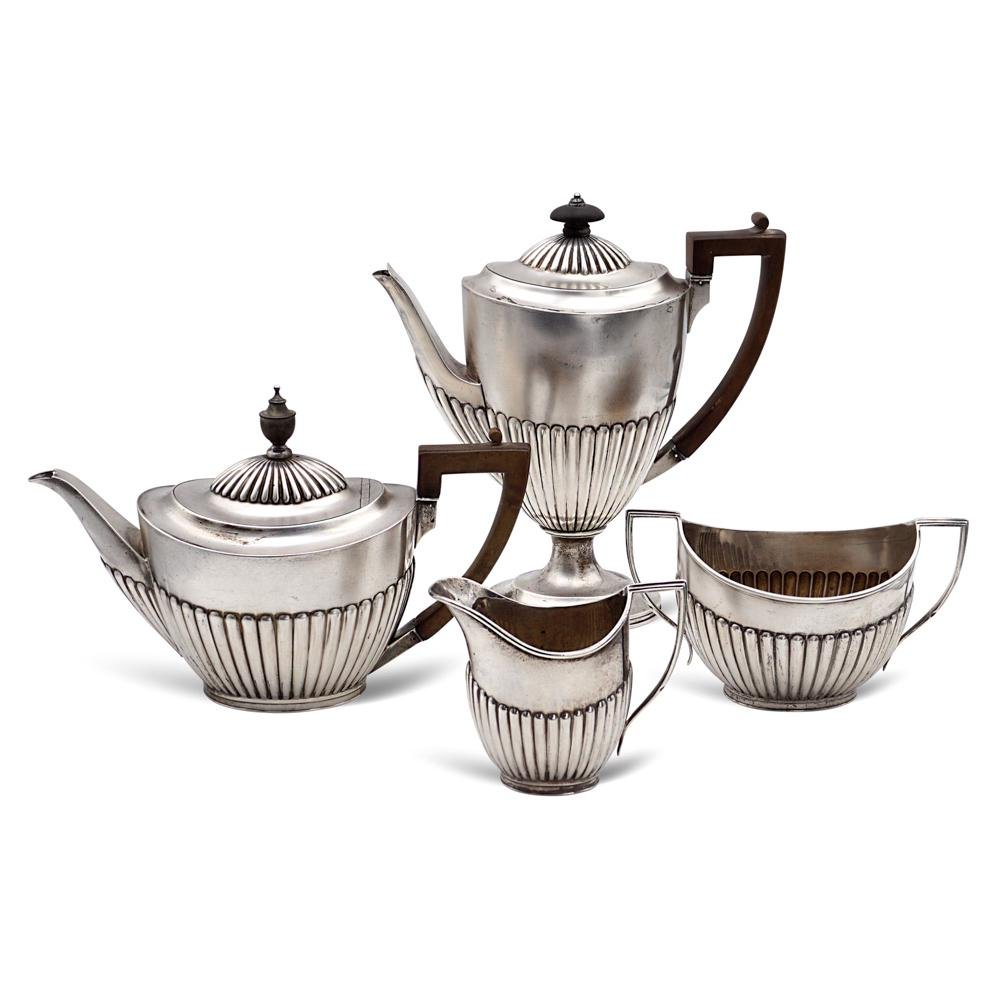 Silver tea and coffeee service England, 19th century