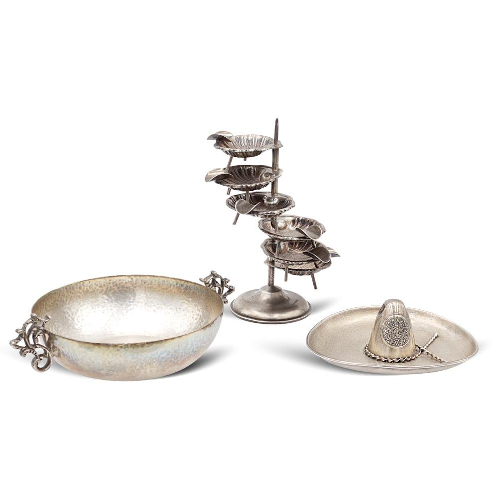 Group of silver objects (3) Mexico, 20th century tot.