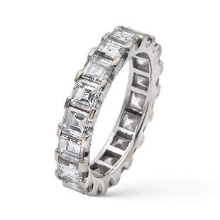 18kt white gold and diamond ring weight 42 gr