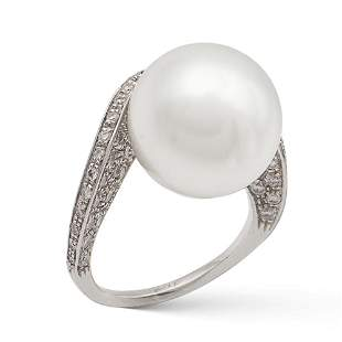 18kt white gold and cultured pearl ring weight 79 gr