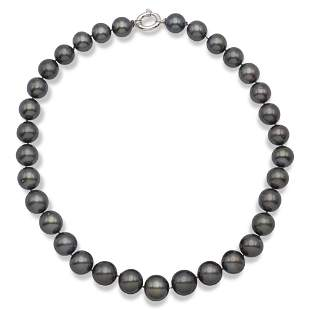 One strand of Tahiti pearls necklace weight 112 gr.