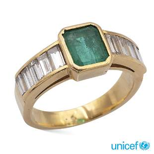 18kt yellow gold and emerald ring weight 7,2 gr.