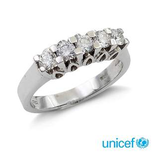 18kt white gold riviere ring with five diamonds weight