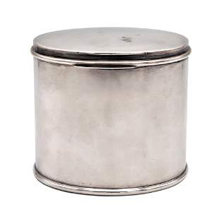 Oval silver box Italy, 20th century weight 413 gr.
