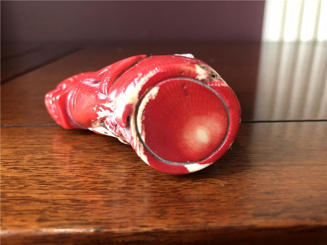 Rear red coral snuff bottle - 3