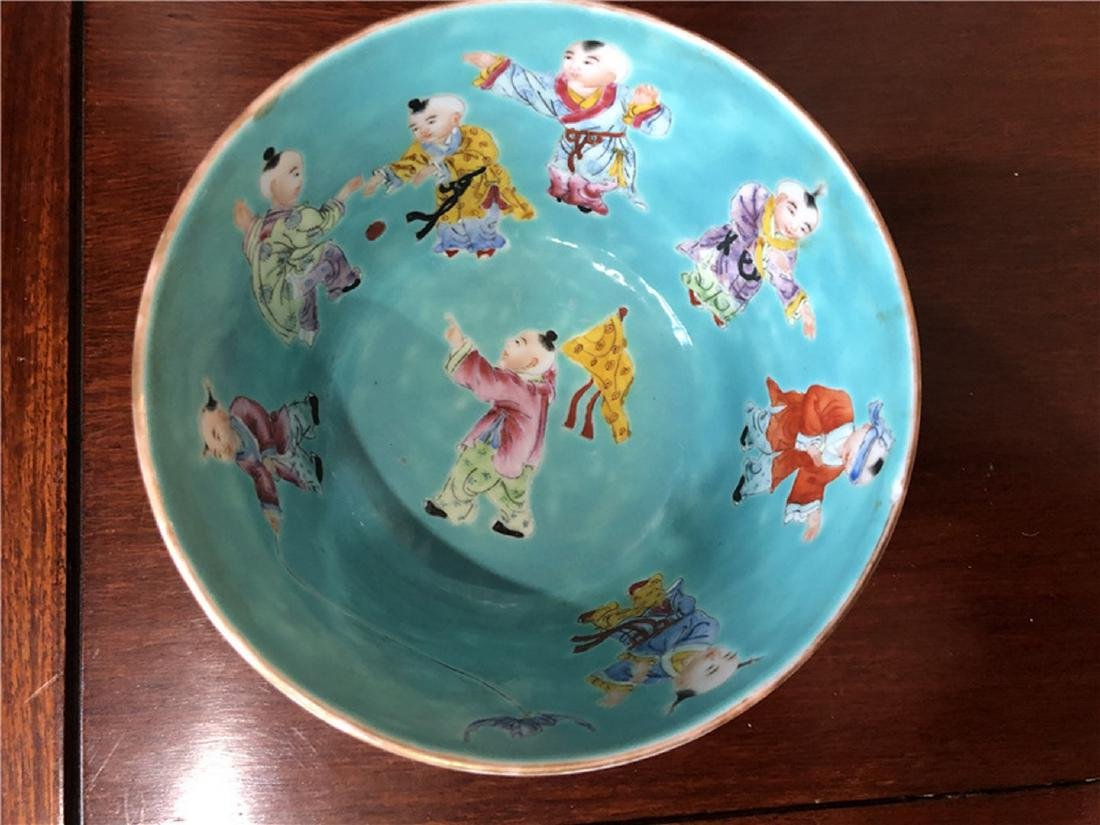 Fine Chinese Green antique bowl with lots of children - 3