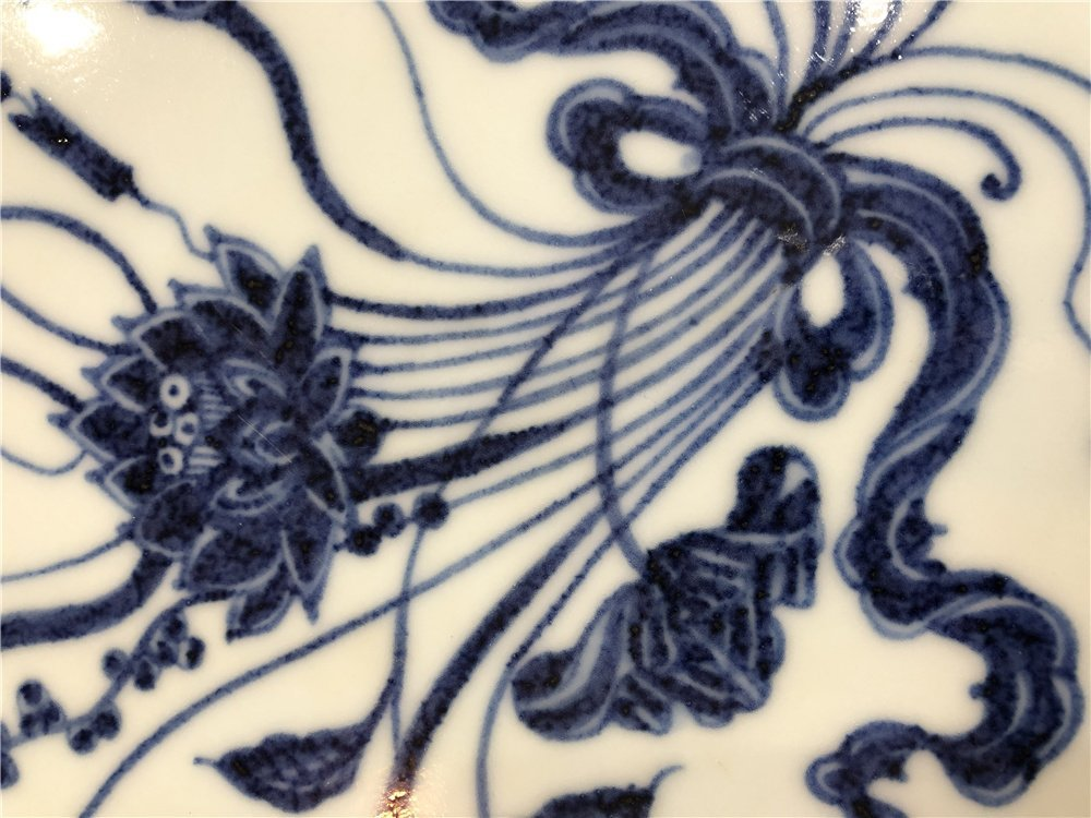 Chinese large blue and white charger with lotus - 3