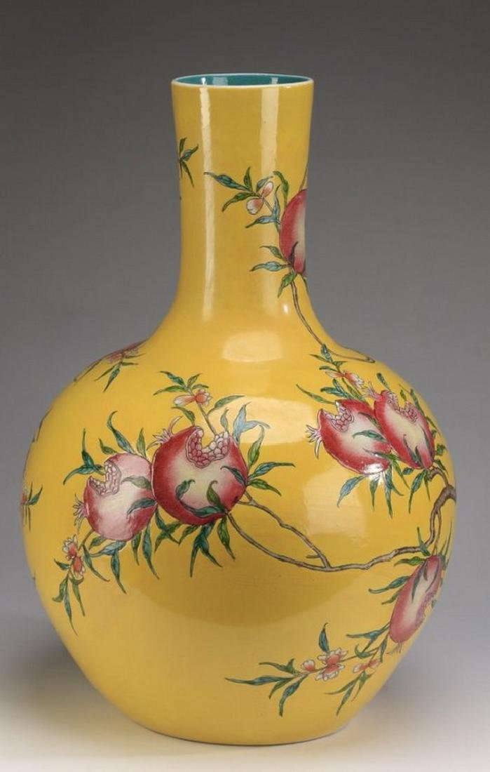 Chinese porcelain stick neck vase, Qianlong - 2