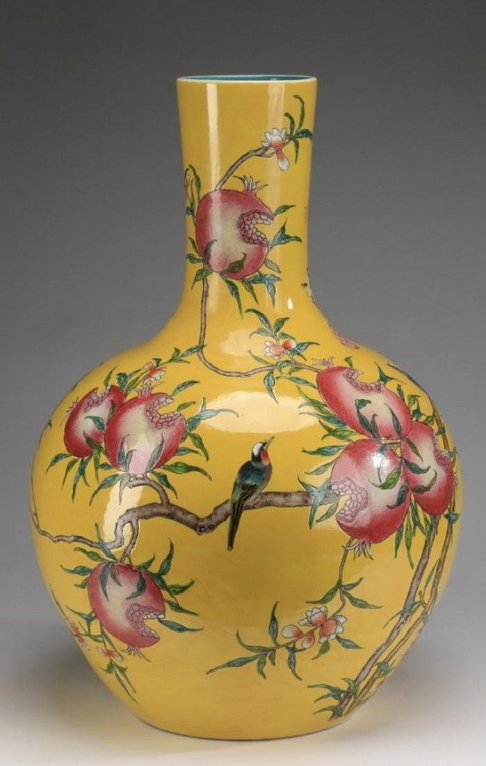 Chinese porcelain stick neck vase, Qianlong - 3