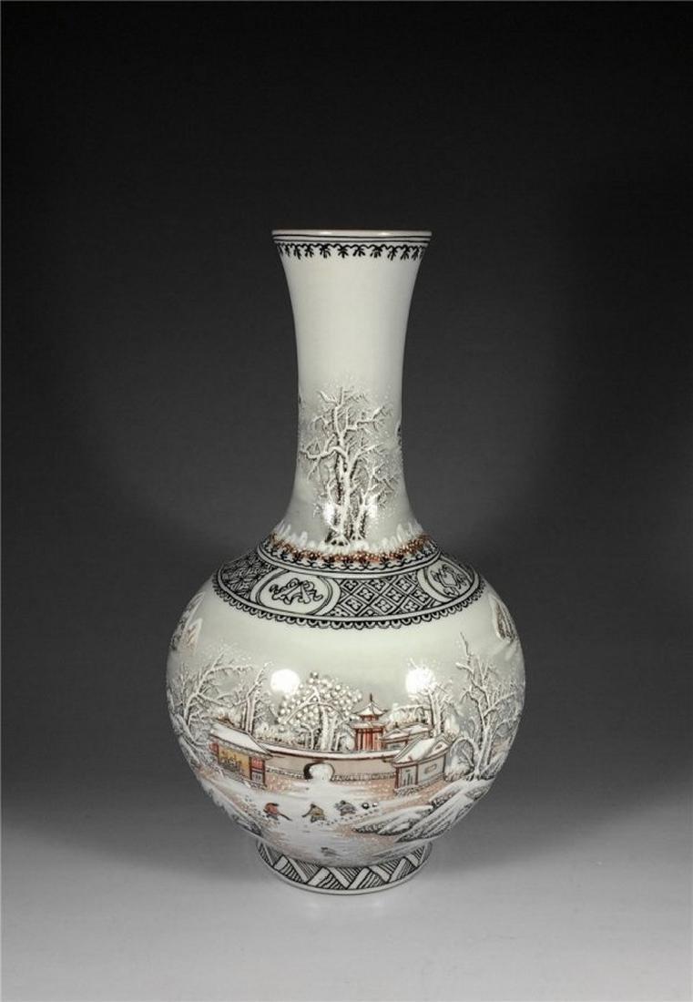 Chinese Antique Beautiful Snow Scene Porcelain Vase.