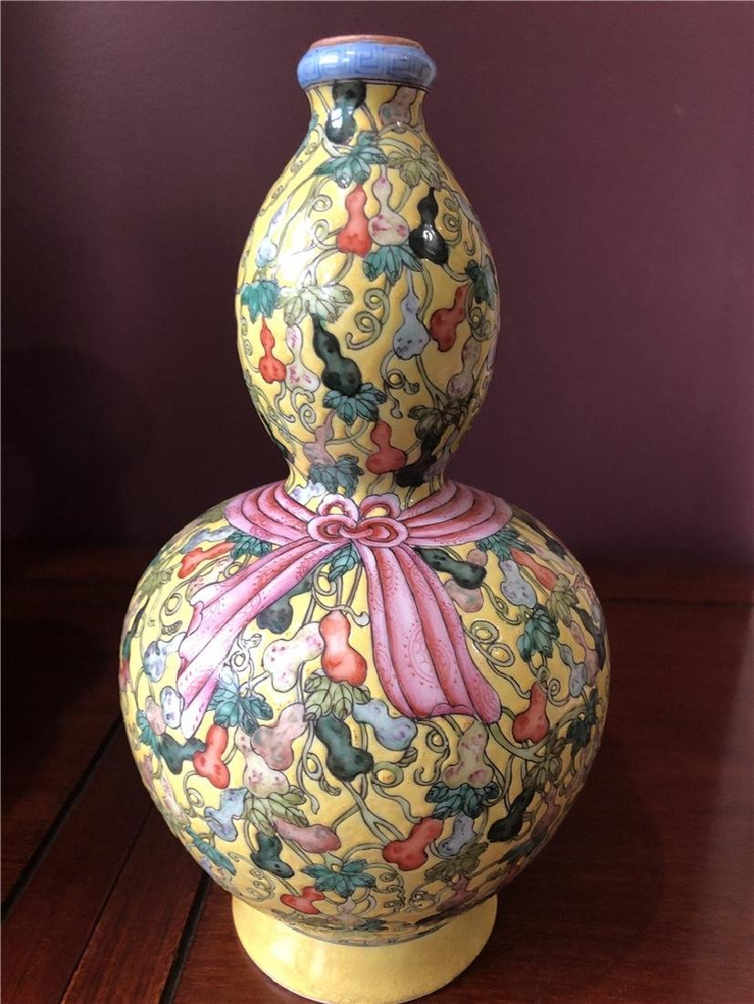 CHINESE PORCELAIN VASE - Huluping Double Gourd Vase in - 5