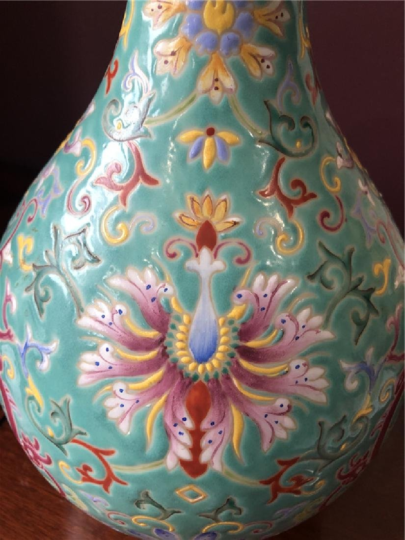 A fine Chinese blue vase - 4