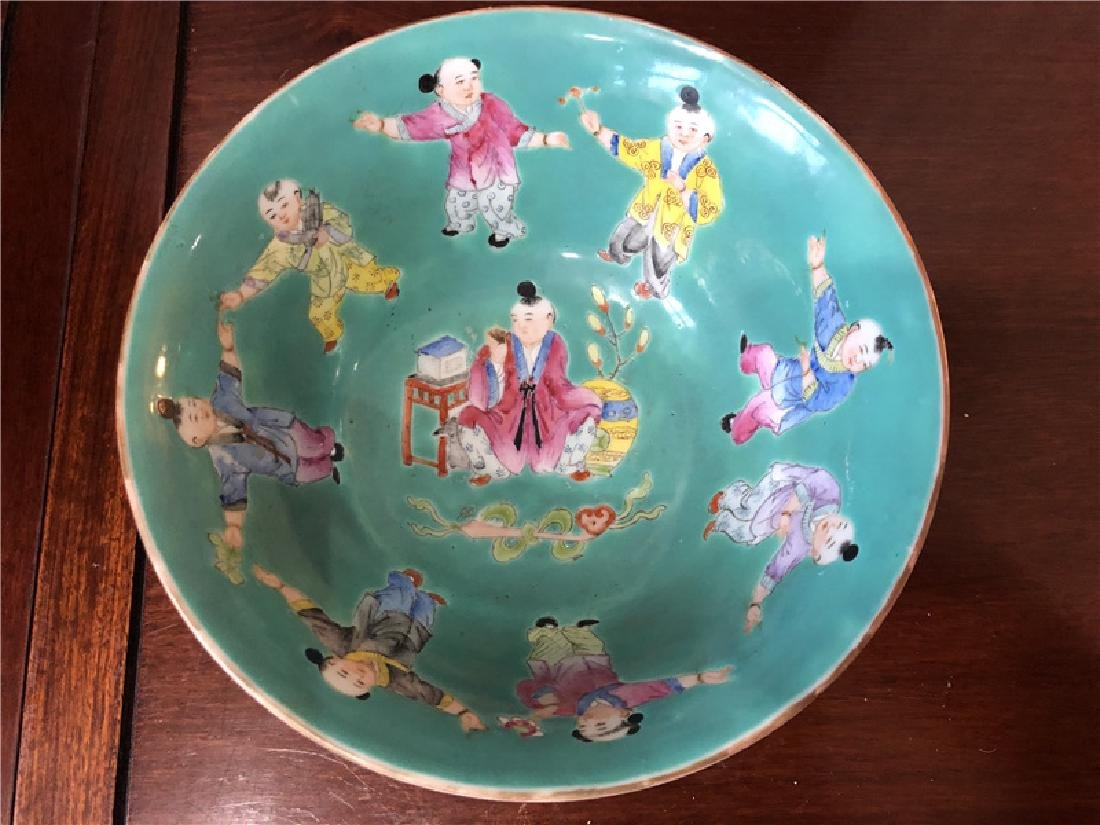 A fine Chinese green pocelain bowl with kids painting - 3