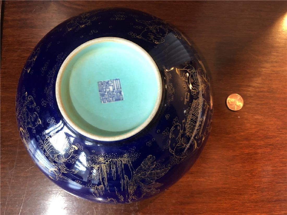Large Chinese blue bowl with golden painting - 3