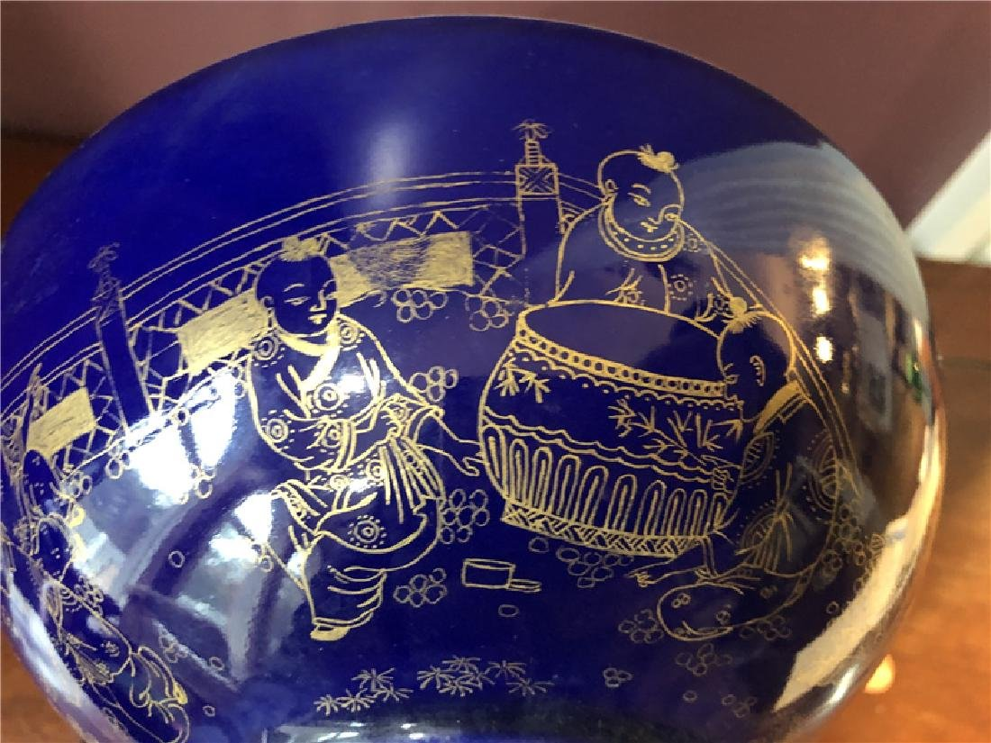 Large Chinese blue bowl with golden painting - 5