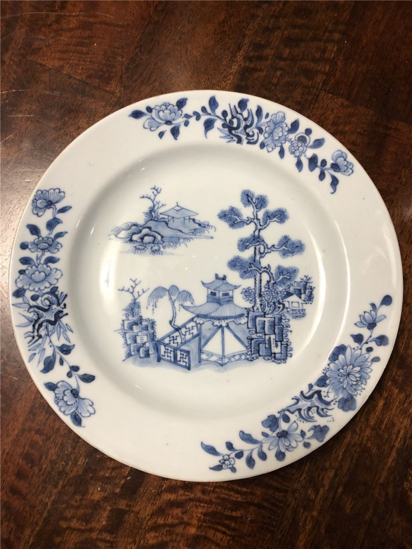 Fine Chinese export white and blue porcelain plate Qing