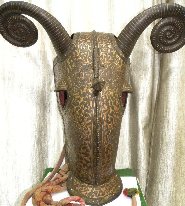 VINTAGE TURKISH  HORSE WAR HELMET/FACE MASK SPIKE HORNS