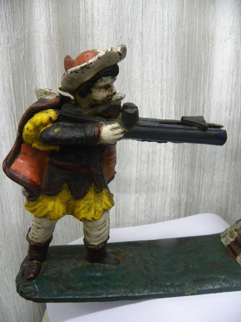 ANTIQUE VICTORIAN CAST IRON MONET BANK SOLDIER FIG. - 3