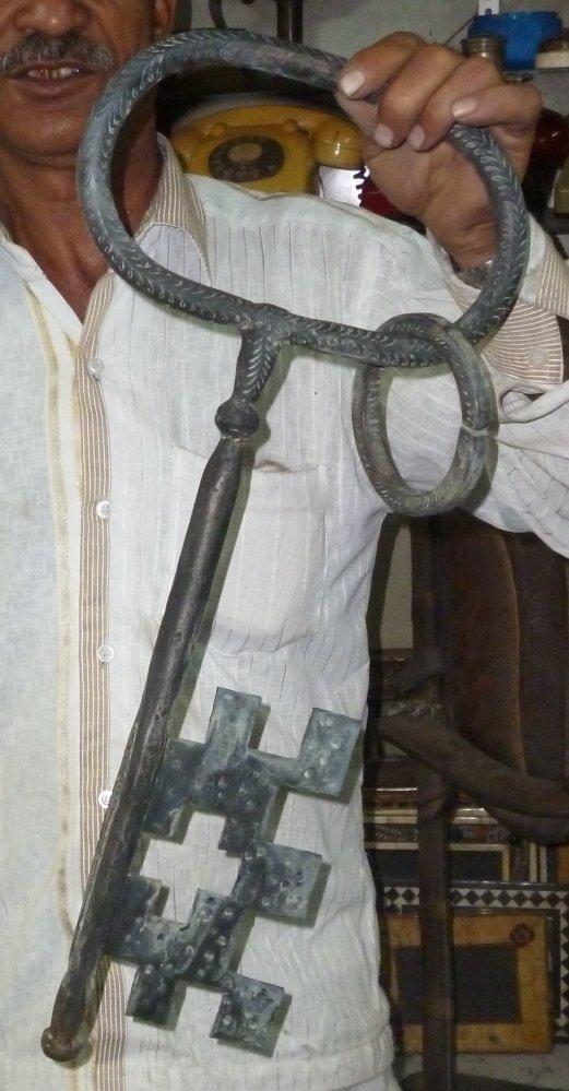 HUGE KEY of PRISON DOOR LOCK HEAVY HAND ENGRAVING
