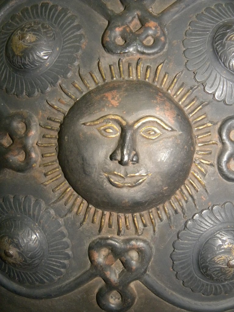 SHIELD MILITERY PERSIAN WARIOR SUN & SNAKE BRASS DECO. - 6