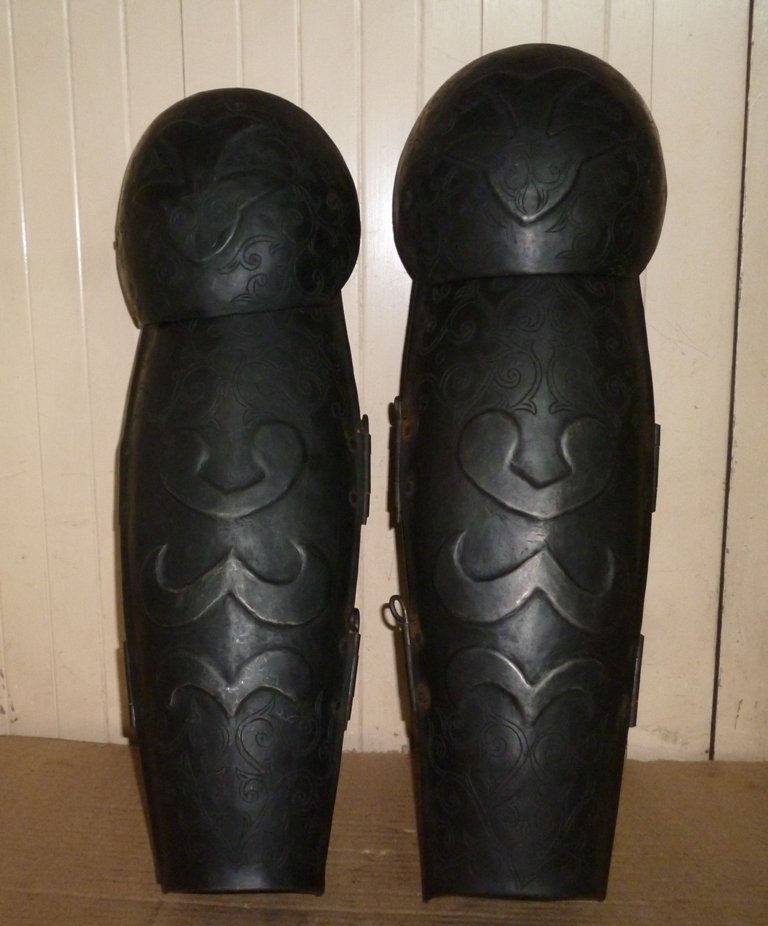 OLD WARRIOR LEG GUARD SET HAND ENGRAVED STEEL