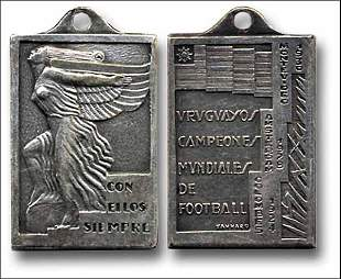 1016: World Cup 1930. Medal of honor for Uruguayan Team