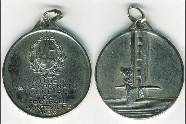 1021: World Cup 1930. Participation medal for players