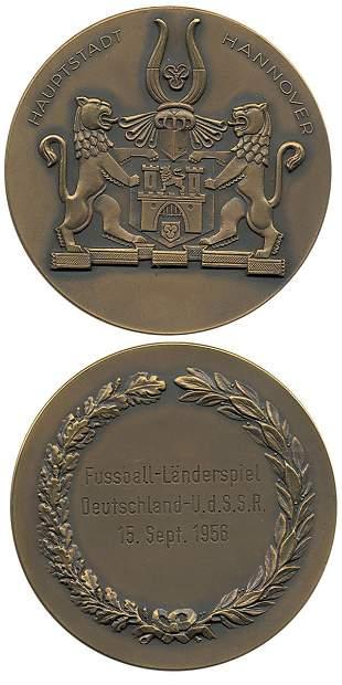 7016: Football medal Germany vs USSR 1956