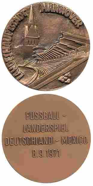 7020: Football medal Germany vs Mexico 1971