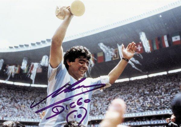 7586: Autograph Football WC 1986. Diego Maradona
