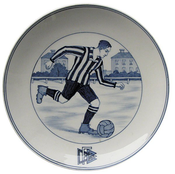 7013: Porcelan Plate Meissen 1925. German Football Asso