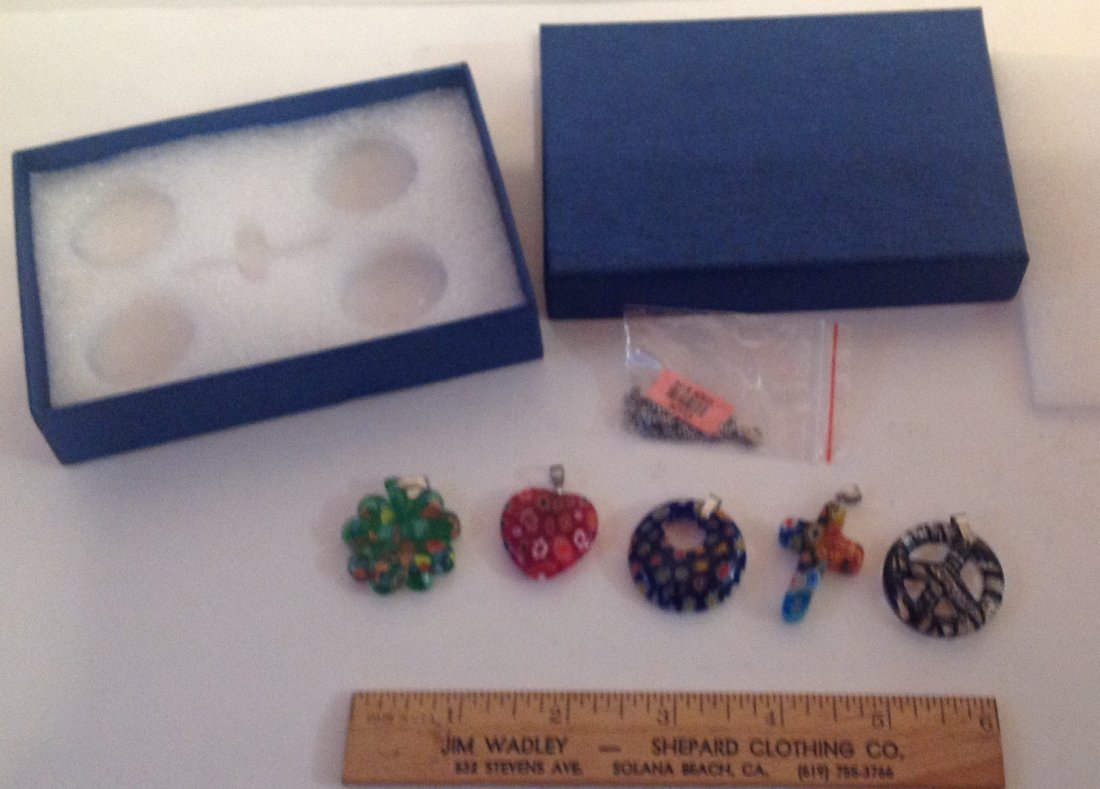 Estate lot of 5 Venetia style murano glass pendants (S) - 2