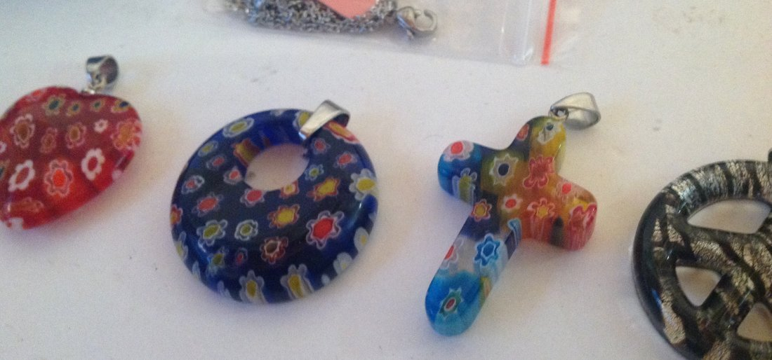 Estate lot of 5 Venetia style murano glass pendants (S) - 3