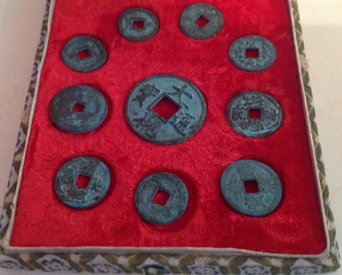 Estate vintage bronze Chinese coins with case - 2