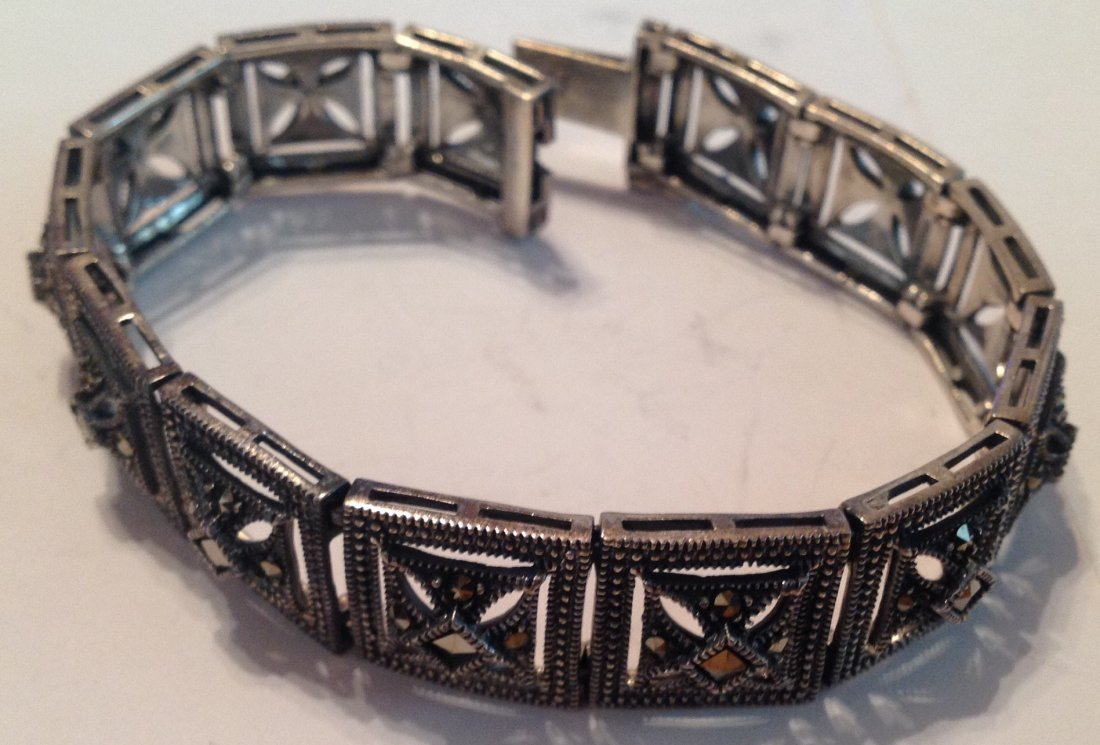 Estate vintage Sterling DBJ Thai panel bracelet (S)