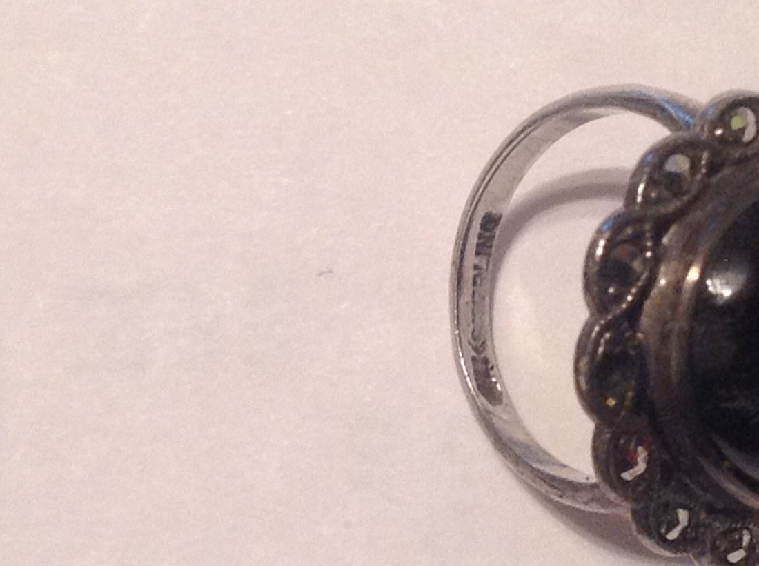 Estate Sterling Silver black onyx ladies ring (S) - 3