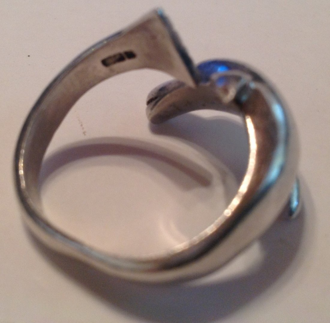 Estate vintage Sterling 3D figurative dolphin ring (S) - 3