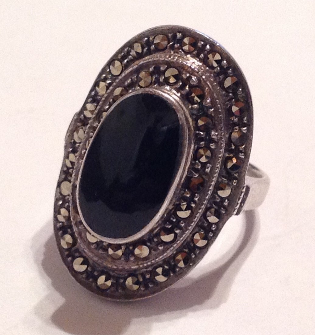 Estate vintage Sterling onyx marcasite ring (S)