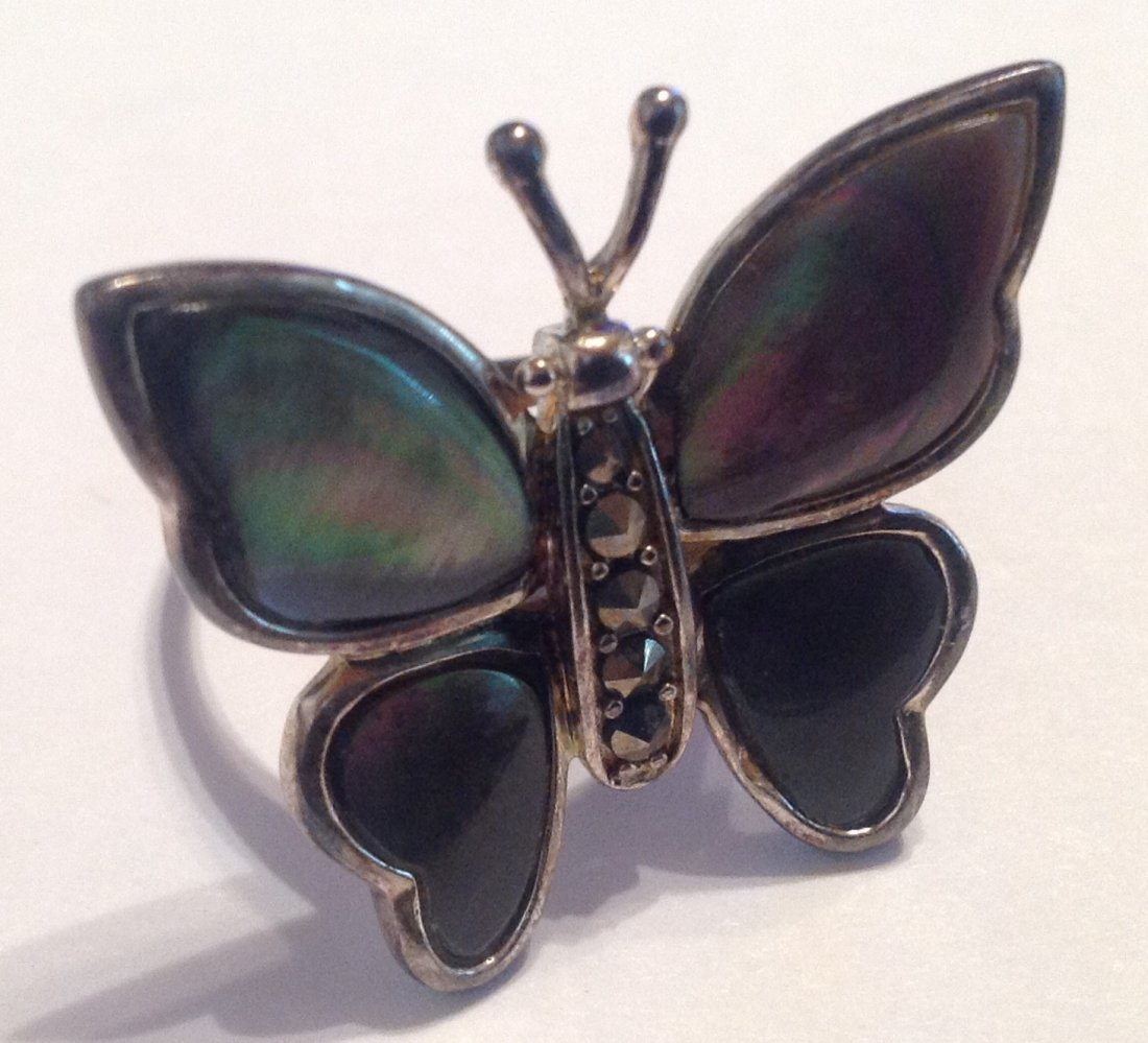 Estate vintage Butterfly abalone Sterling ring (S)