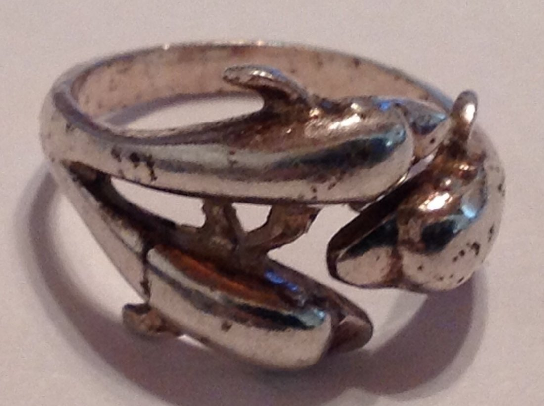 Estate vintage triple dolphin Sterling ring (S)